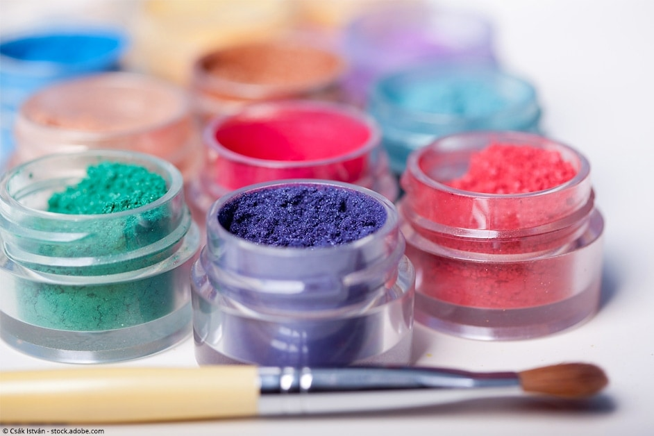 how to color resin