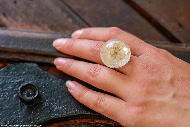 gioielli in resina