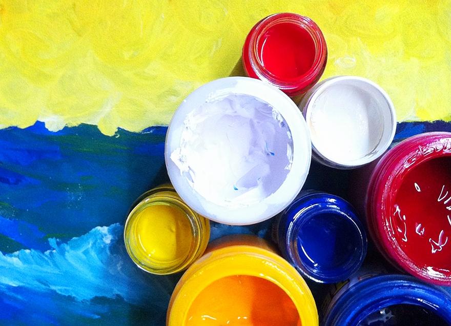 acrylic modelling paint