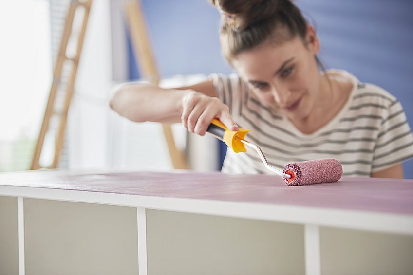 How to Paint on Wood