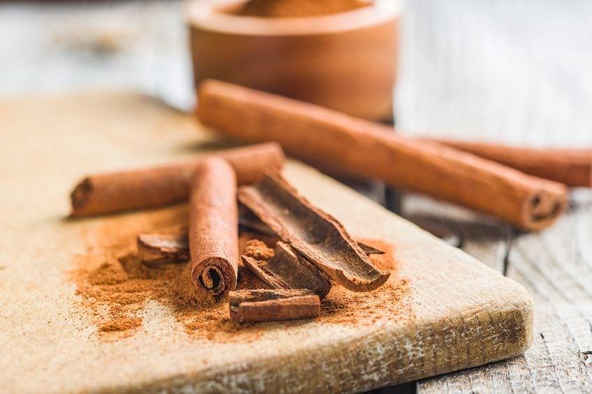 Cinnamon Brown Color